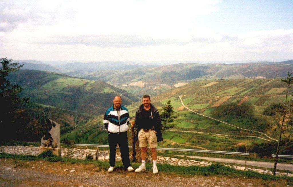 Primer Camino de Santiago. En O'Cebreiro con Pepe Asensio.