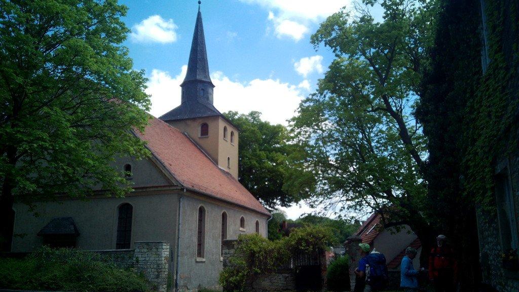 Una foto del grupo al lado de la iglesia.Eckartsberga