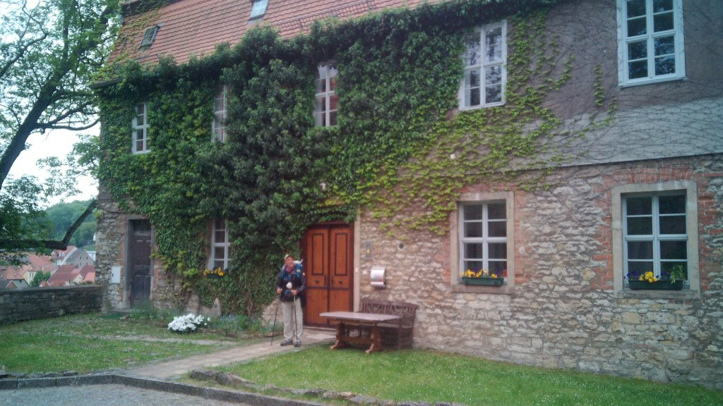 La casa donde nos hospedamos enEzkastberga. Y el Pastor no era Pastor, que era Pastora.