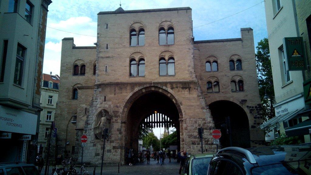 Puerta de acceso a Colonia. Köln