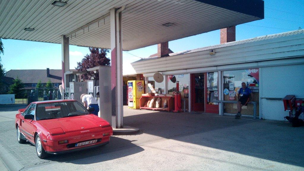 En esta gasolinera nos ayudaron en Huy