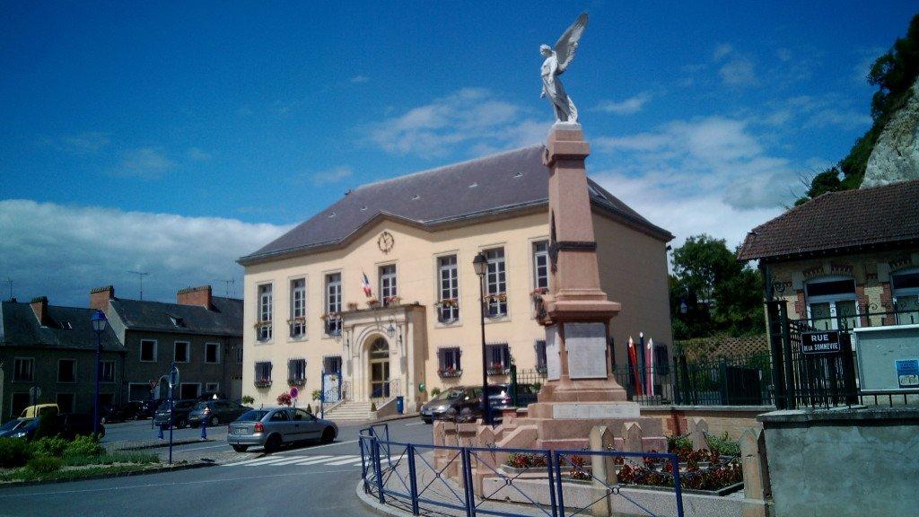 Ayuntamiento y héroes de guerra. Château Porcien