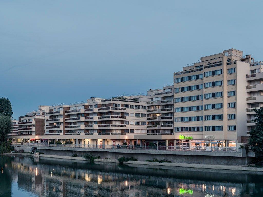 Hotel Ibis a la orilla del Marne