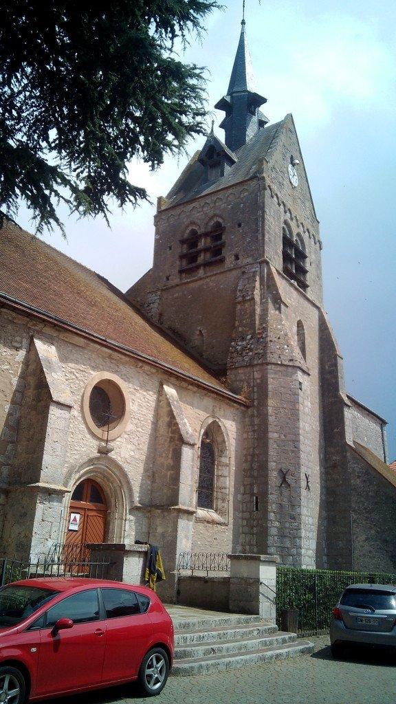 Iglesia de San Pedro, en Angerville