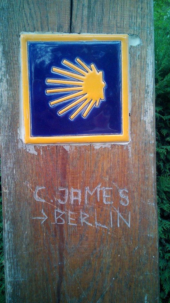 La señal del Camino y de que por allí ha pasado un navajero