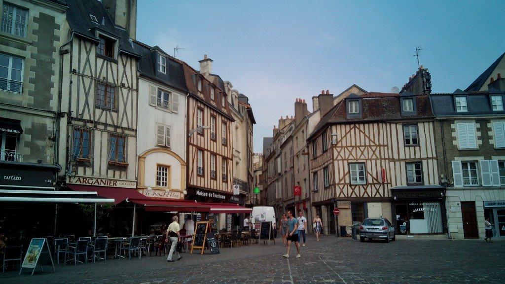Plaza de Poitiers