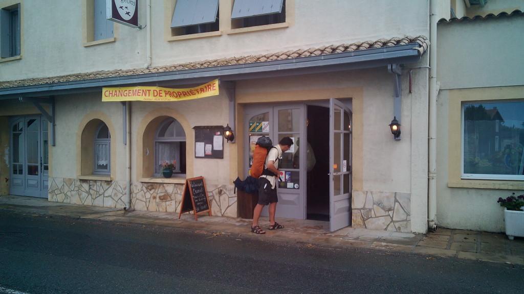 En este bar nos comimos, junto con Johann, un buen bocadillo de paté