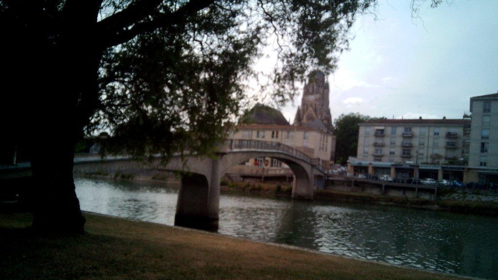 Río Charente en Saintes