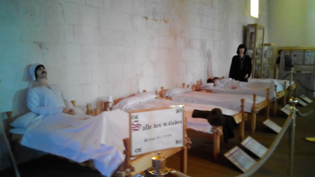 Museo del Hospital de Peregrinos, Pons