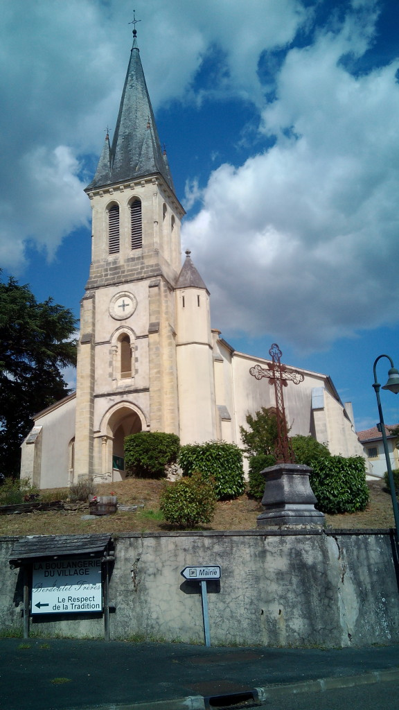 Iglesia de San JuanBautista en Onesse et Laharie