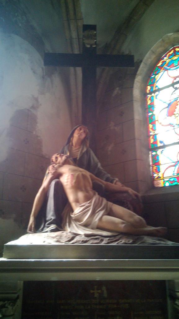 La Piedad en el interior de la iglesia
