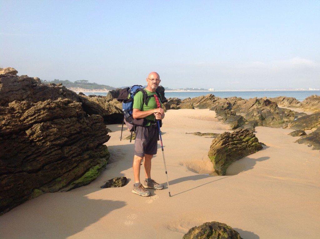 El camimo pasa por la playa
