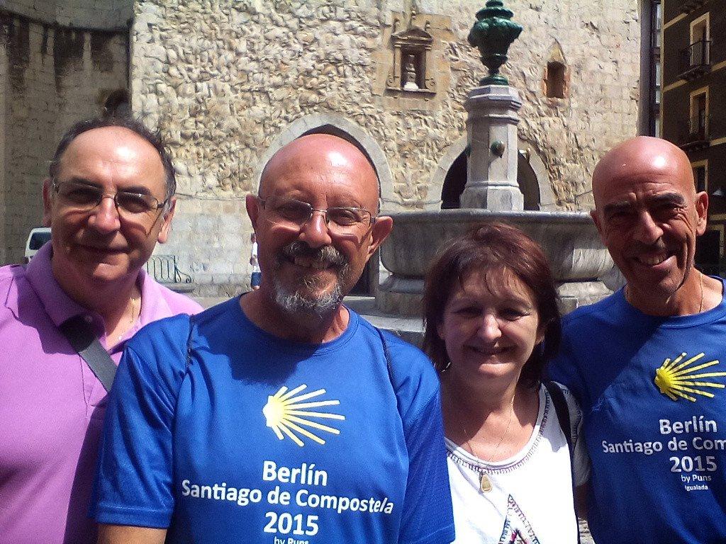 Los amigos Santos y Lourdes
