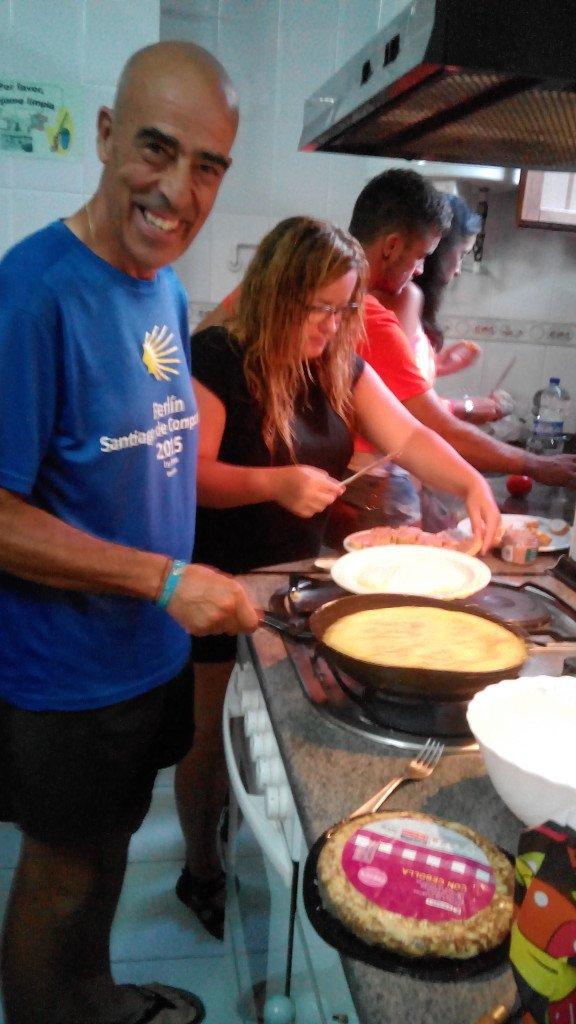 Salvador colabora con su tortilla, famosa ya en media Europa