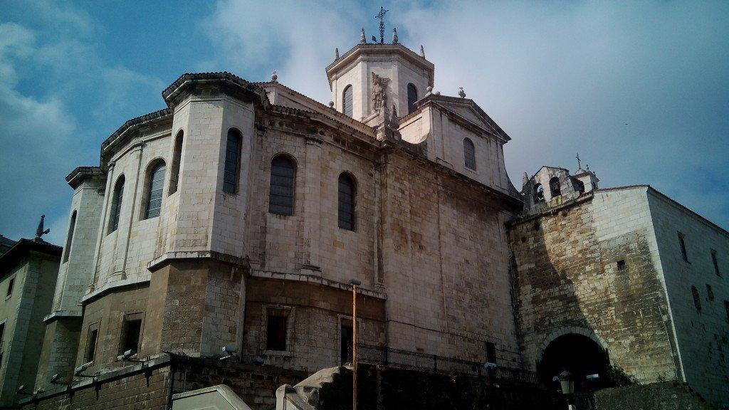 Más catedral