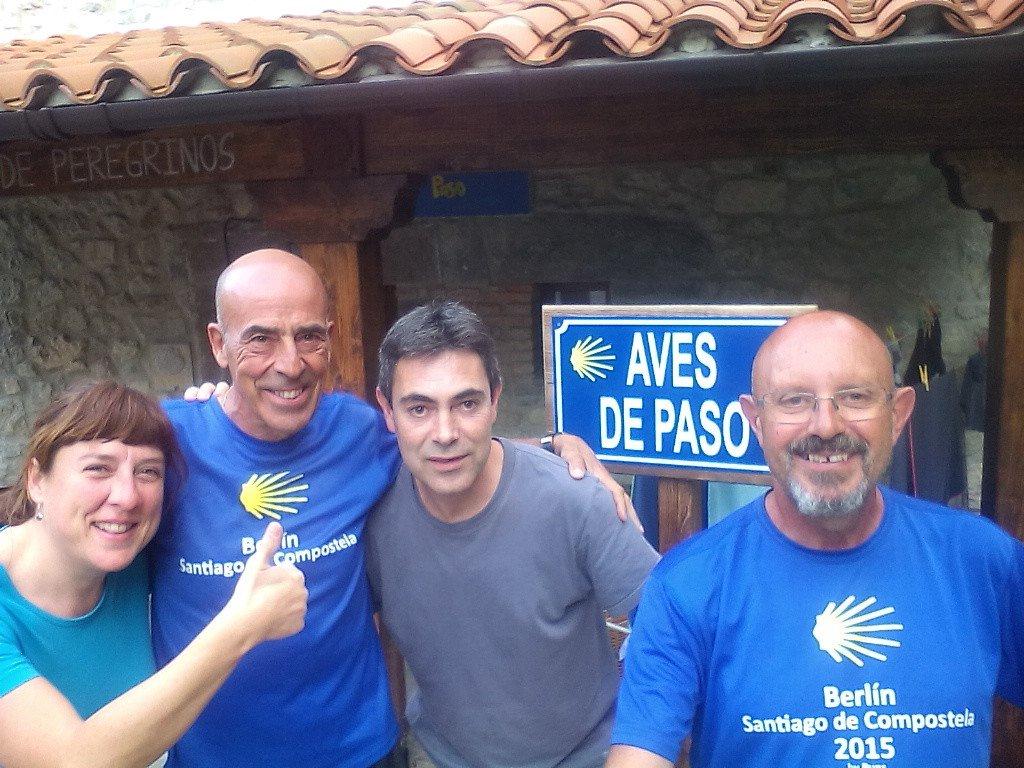 Con Cristina y Javier en el albergue Aves de Paso, de Pendueles
