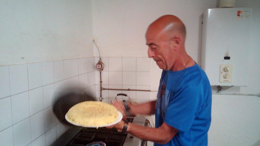 Salvador nos deleita con otra de sus fantásticas tortillas