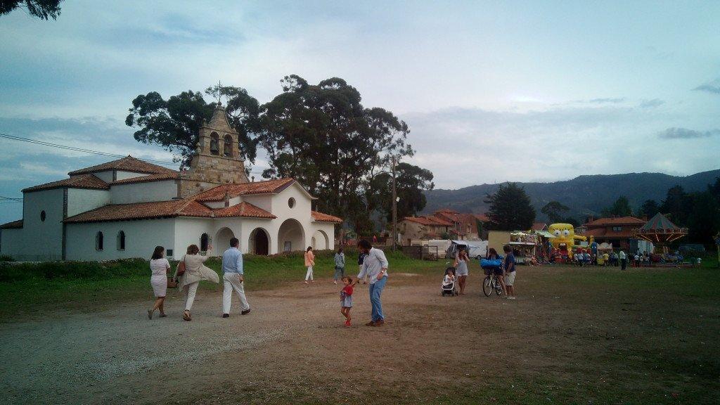 Iglesia y parquecito de La Isla