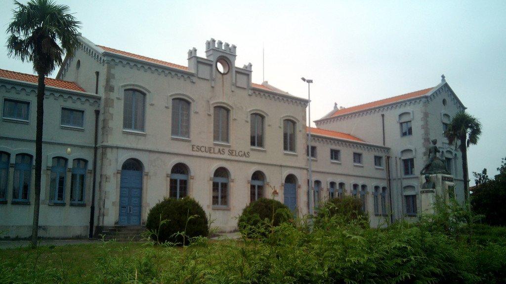 Escuelas Selgas, actualmente el Instituto de Cudillero