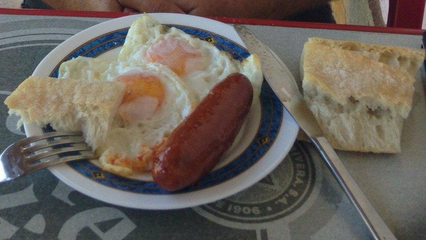 Almorzando en Casa Roxica