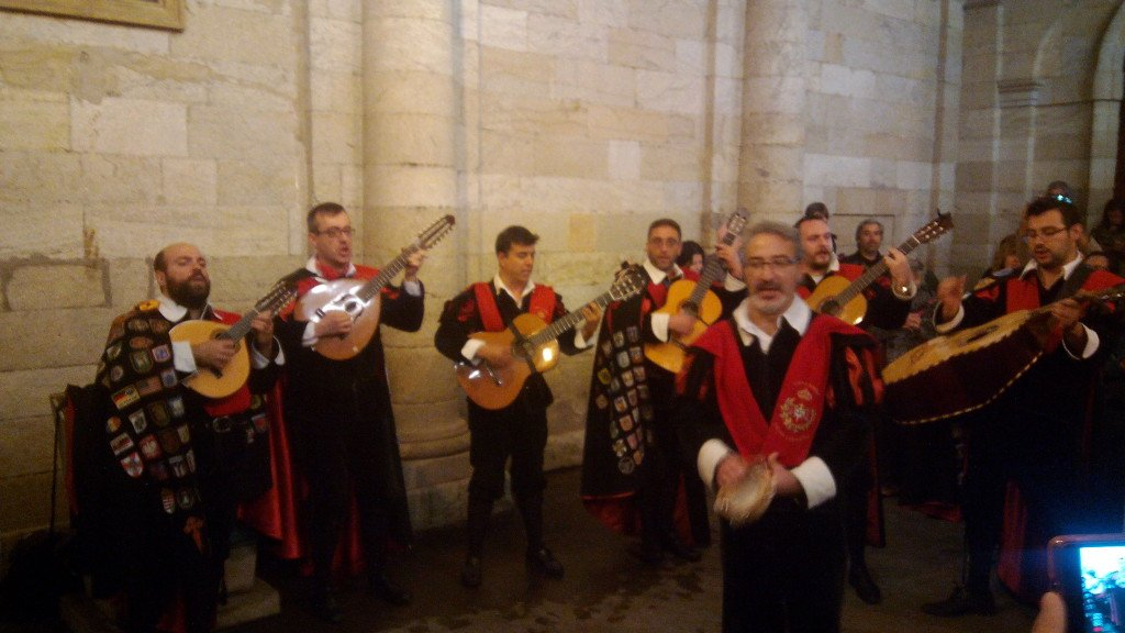 La Tuna de repetidores, en Santiago de Compostela