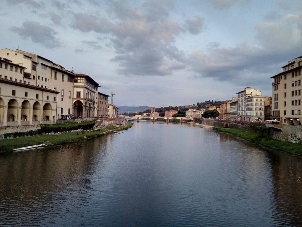 Río Arno. Creo que una de las estampas más bonitas de Florencia