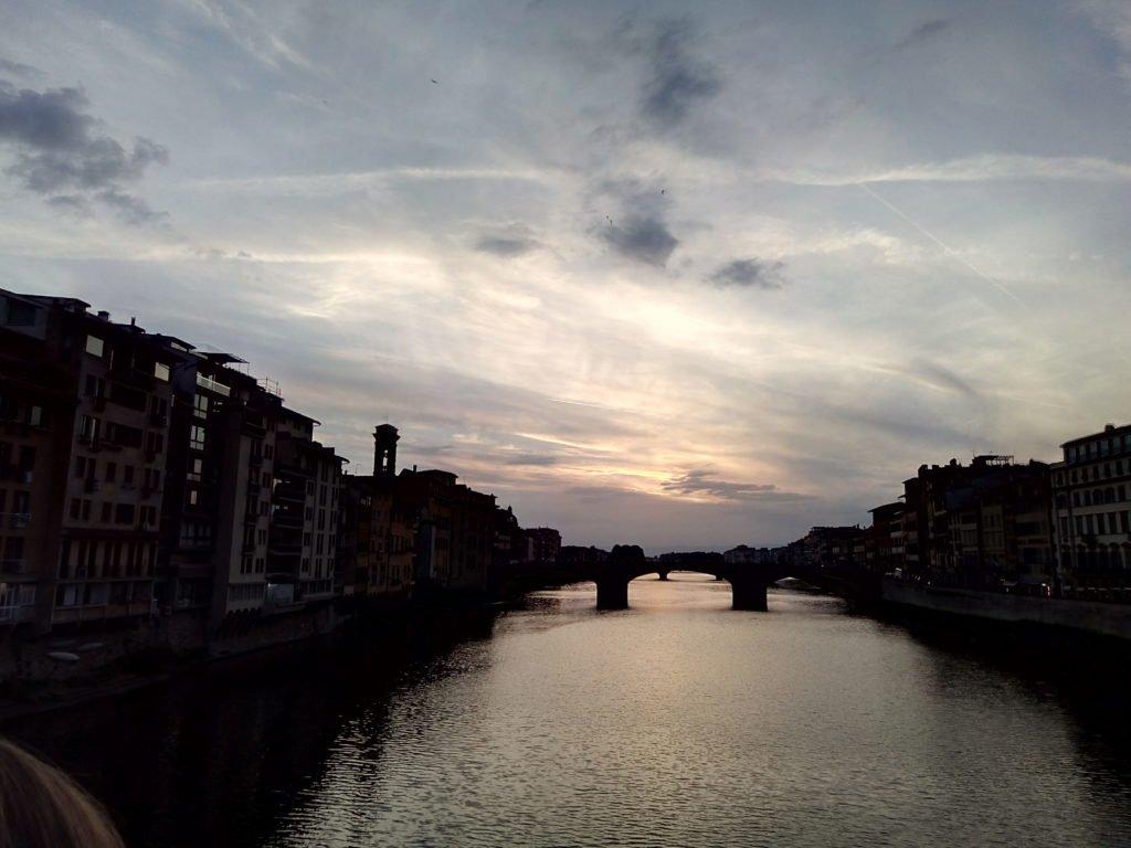 Río Arno. A todas horas espectacular
