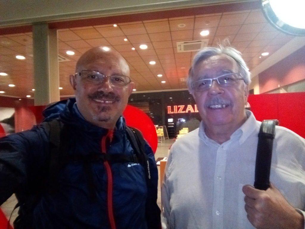 Con mi amigo Manuel, en la estación de Zaragoza