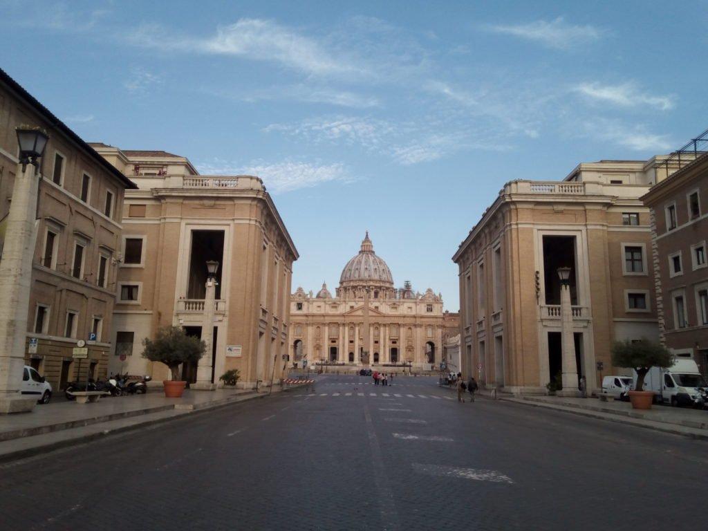 Vía de la Conciliación, al fondo Basílica de San Pedro