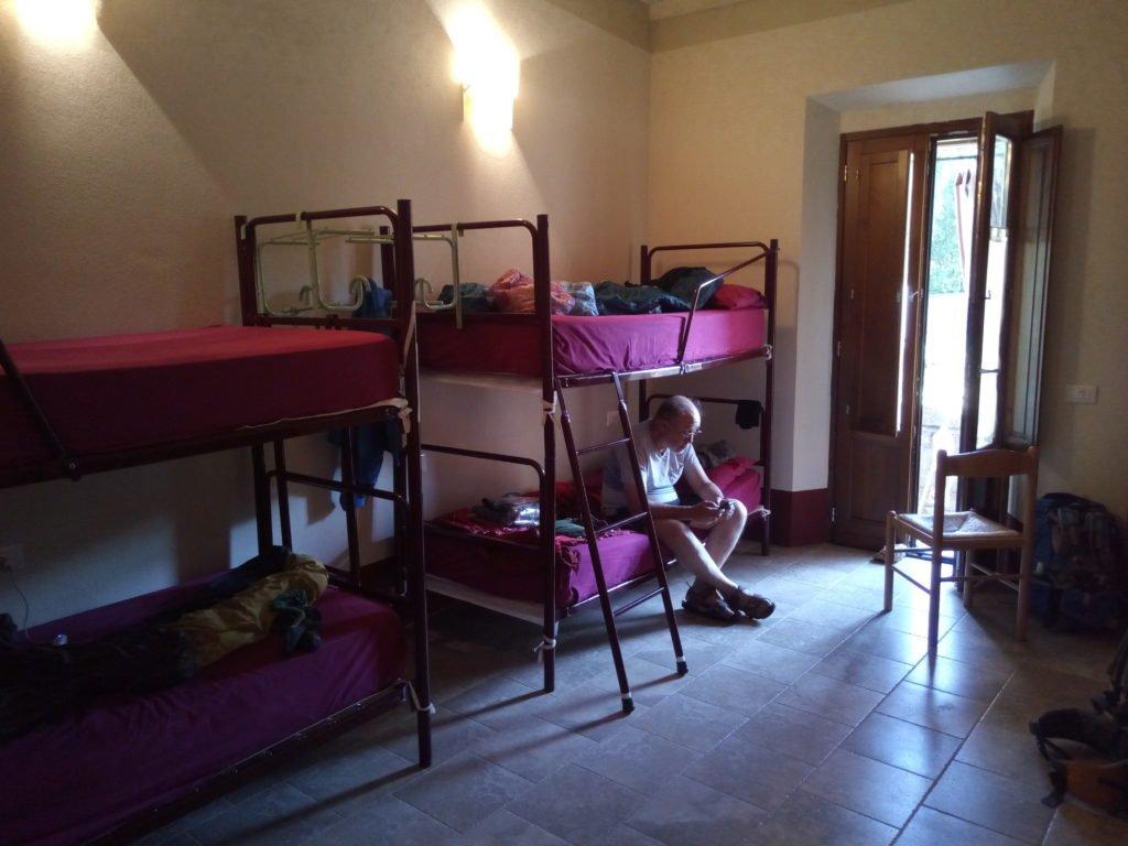 Enrique en nuestra habitación del Ospitale dei Sante Cirino e Giacomo