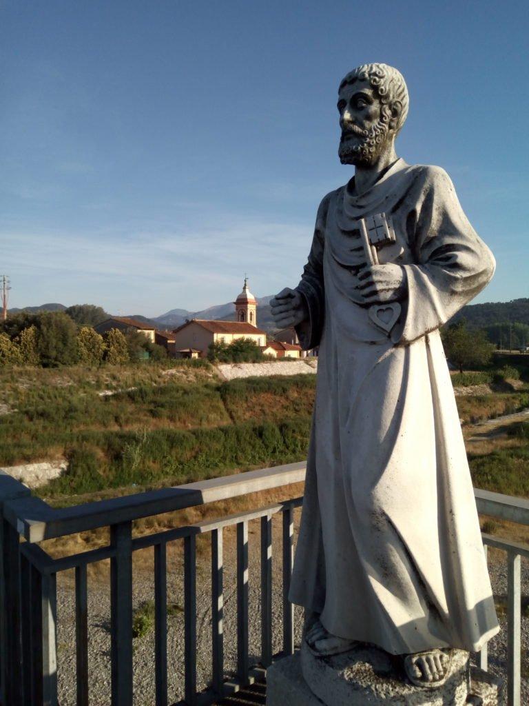 San Pietro en su puente y pueblo