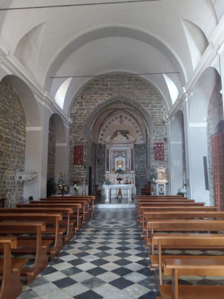 Interior de la iglesia de Nuestra Señora de la Salud. Volastra