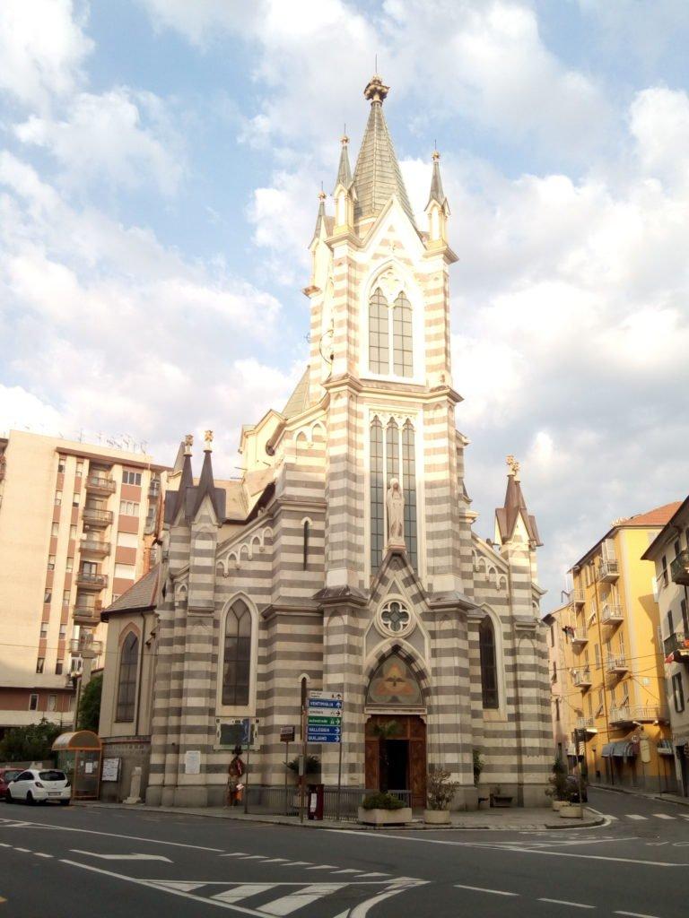 Una iglesia en Savona