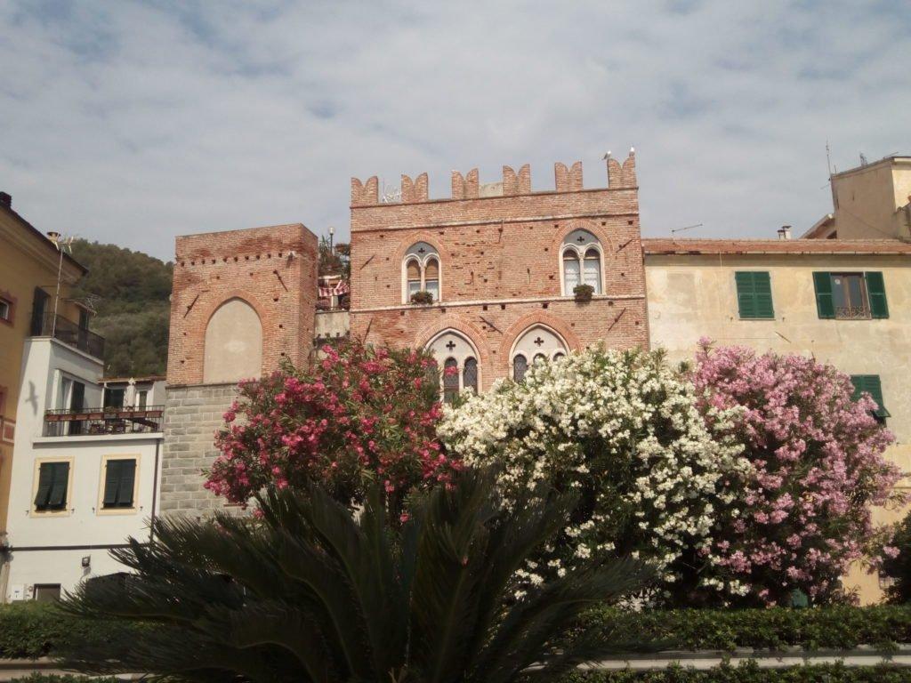Noli. Palazzo Paglieri