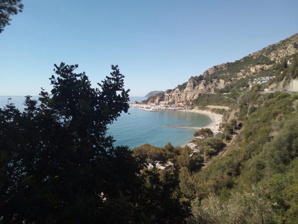 Bonitas vistas de monte y playa