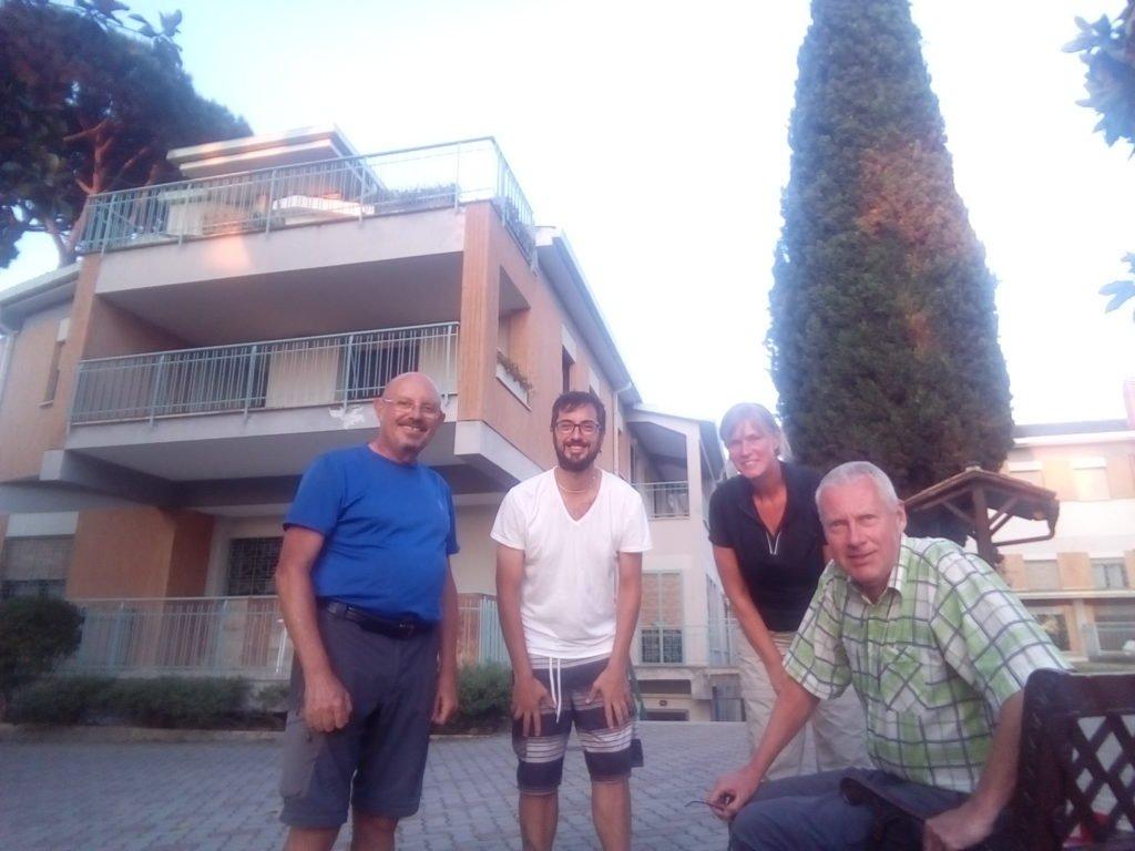 Foto con Andreas y los dos amigos holandeses