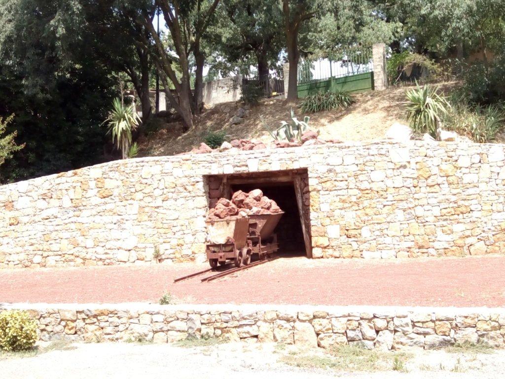 Reconstrucción de la entrada de la mina de Bauxita en Thoronet
