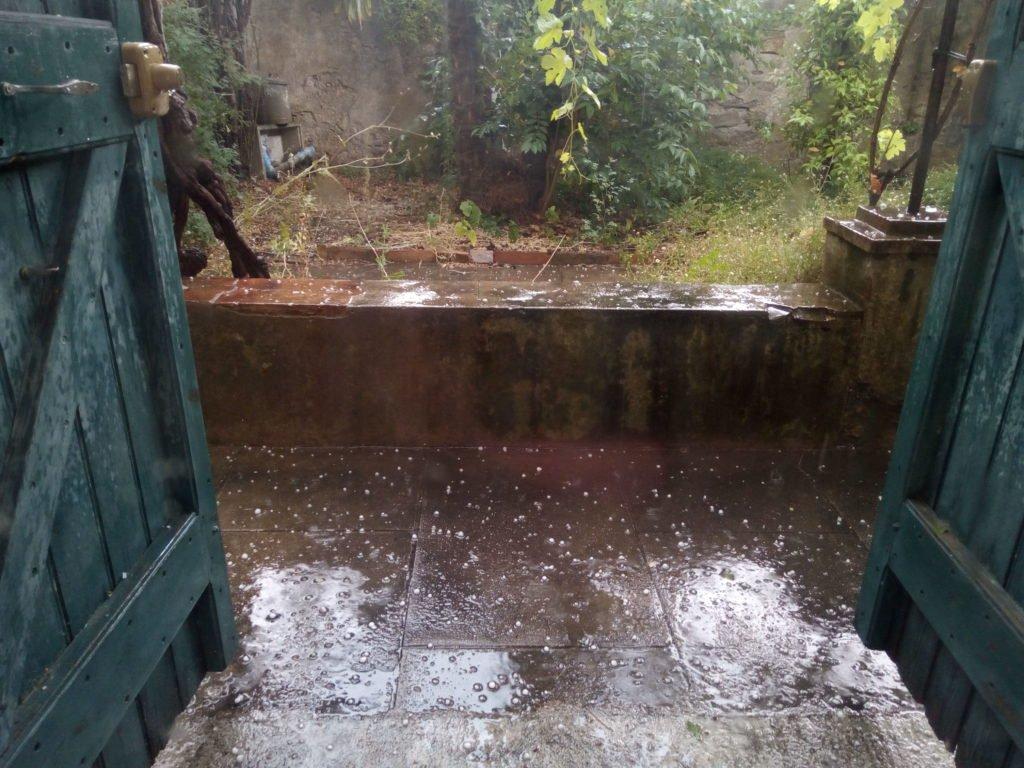 Lluvia con granizo. ¡Justo a tiempo!