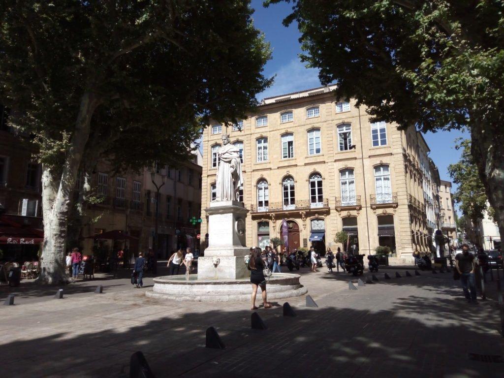 Le cours Mirabeau. Aix-en-Provence
