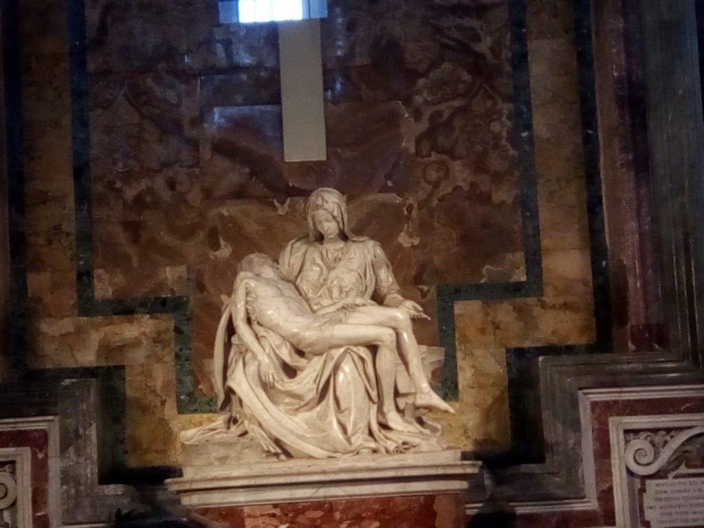 La Piedad del Vaticano, obra de Miguel Ángel, en la Basílica de San Pedro