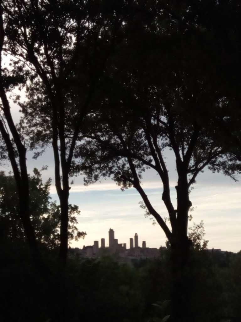 San Gimignano de lejos
