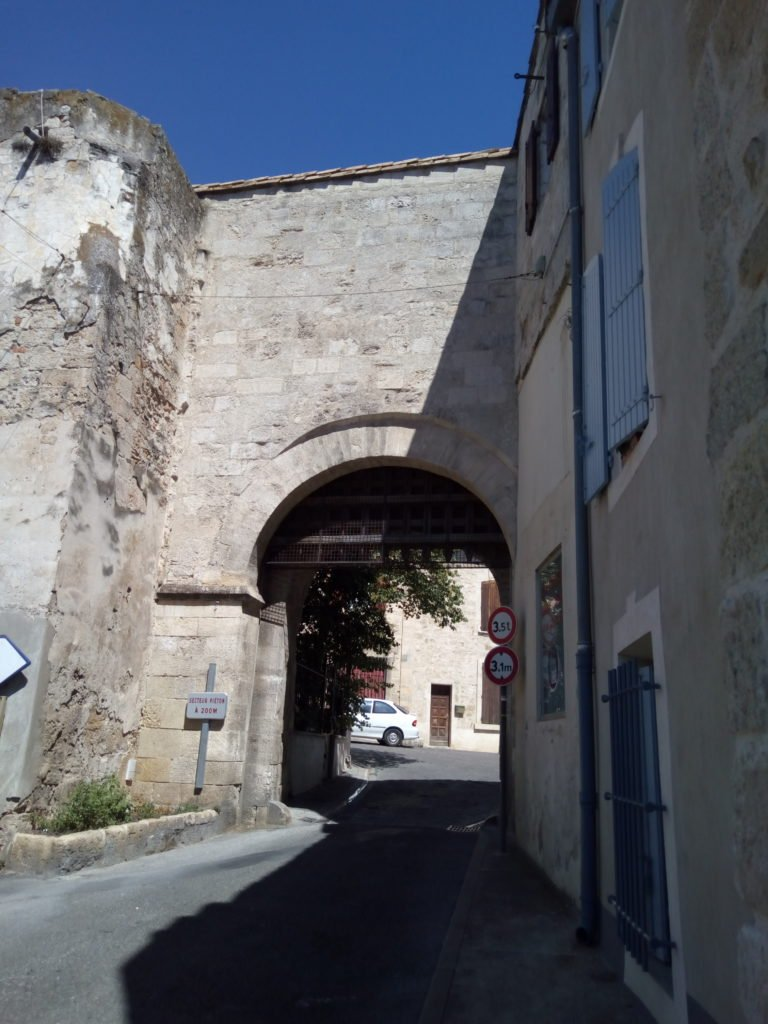 Puerta del Siglo XII