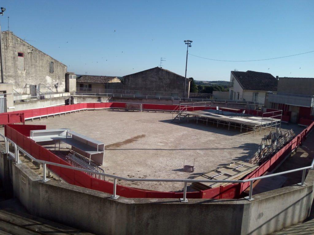 Plaza de Toros. Las arenas. Gallargues le Montueux