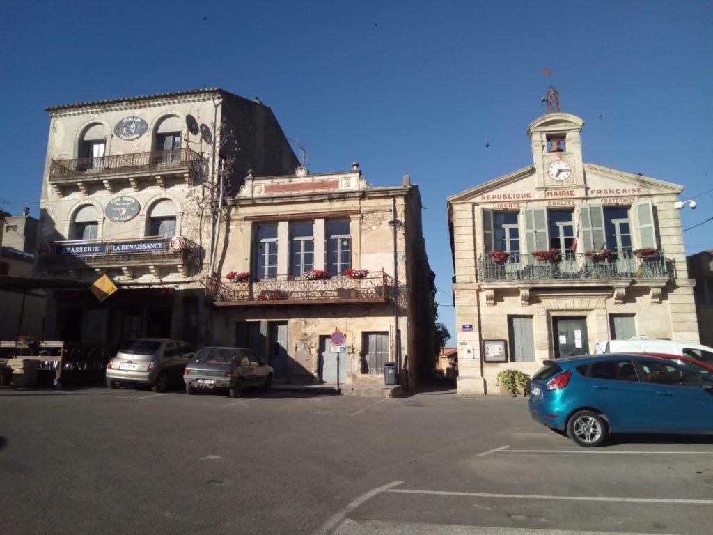 Plaza del Ayuntamiento en Gallargues le Montueux