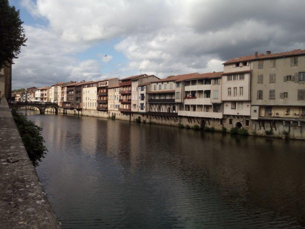 Río Agout a su paso por Castres