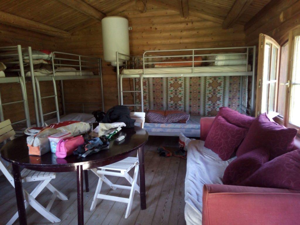 Vista interior de la cabaña
