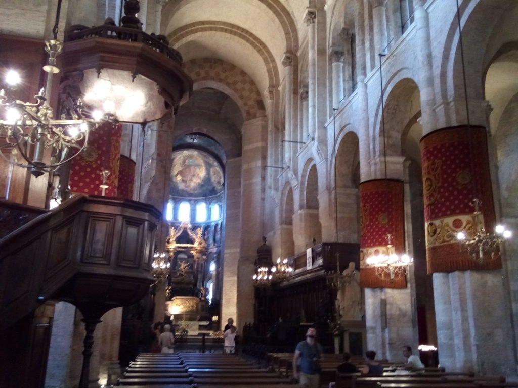 Interior de San Saturnino de Tolosa. Toulouse