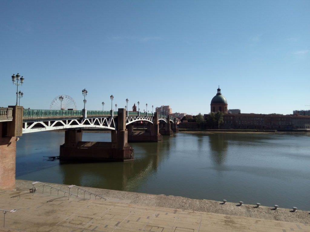 Puente sobre el río Garona. Toulouse