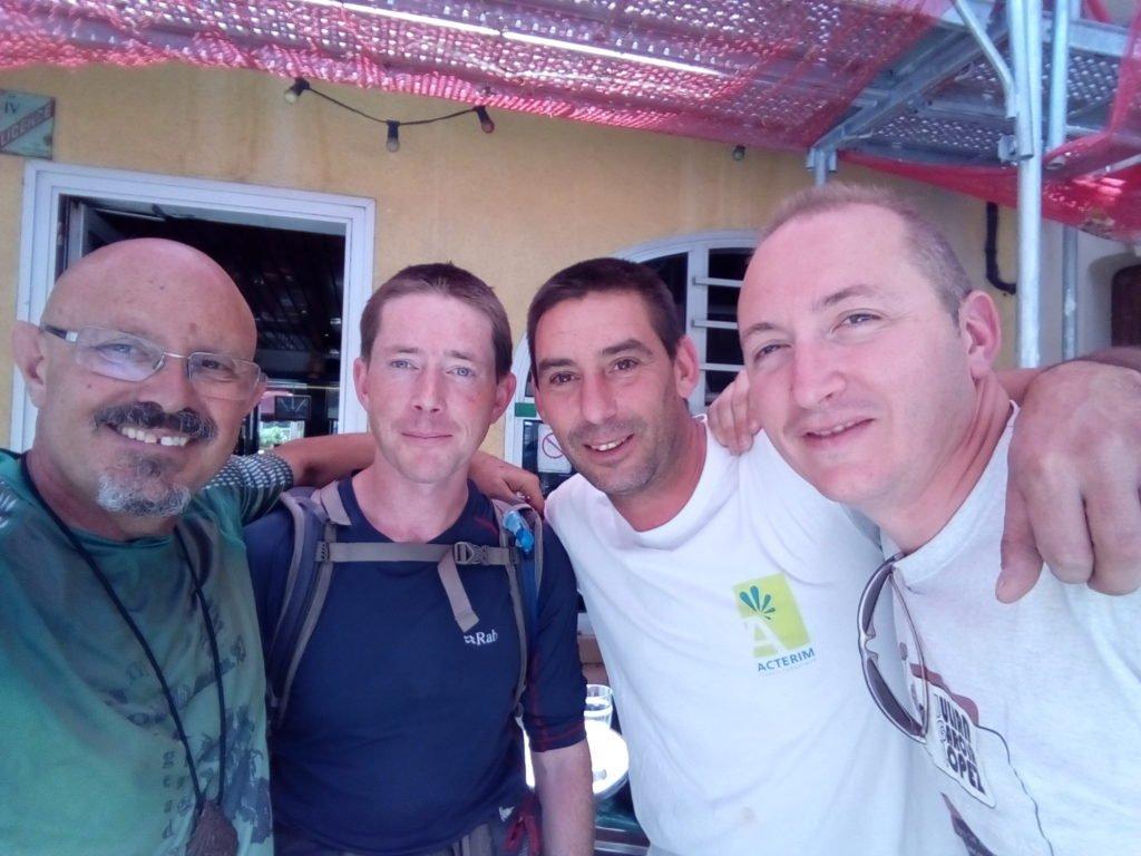 Con Enrique y Carlos, dos españoles de Madrid, que trabajan en la zona. Lodève