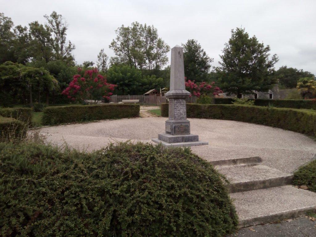 Monumento a los caídos. Anoye